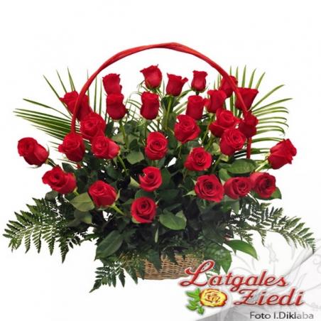 Ziedu grozs 032