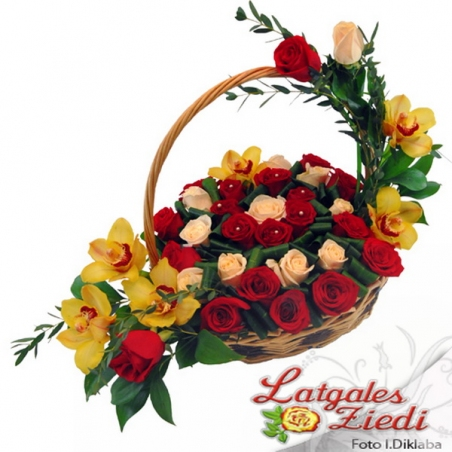 Ziedu grozs 024