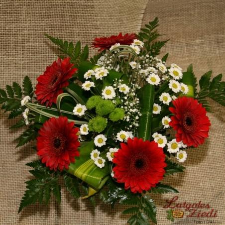 Mazcenas ziedu pušķis 084