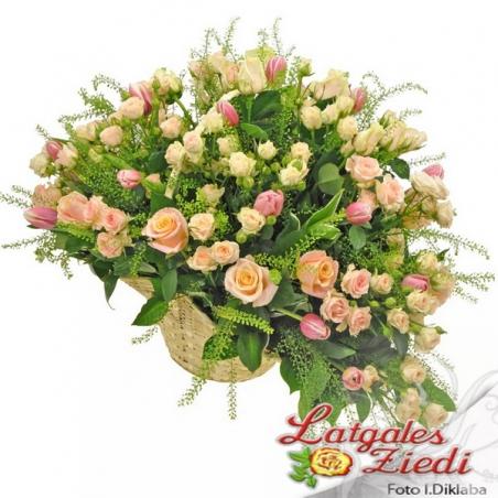 Ziedu grozs 018